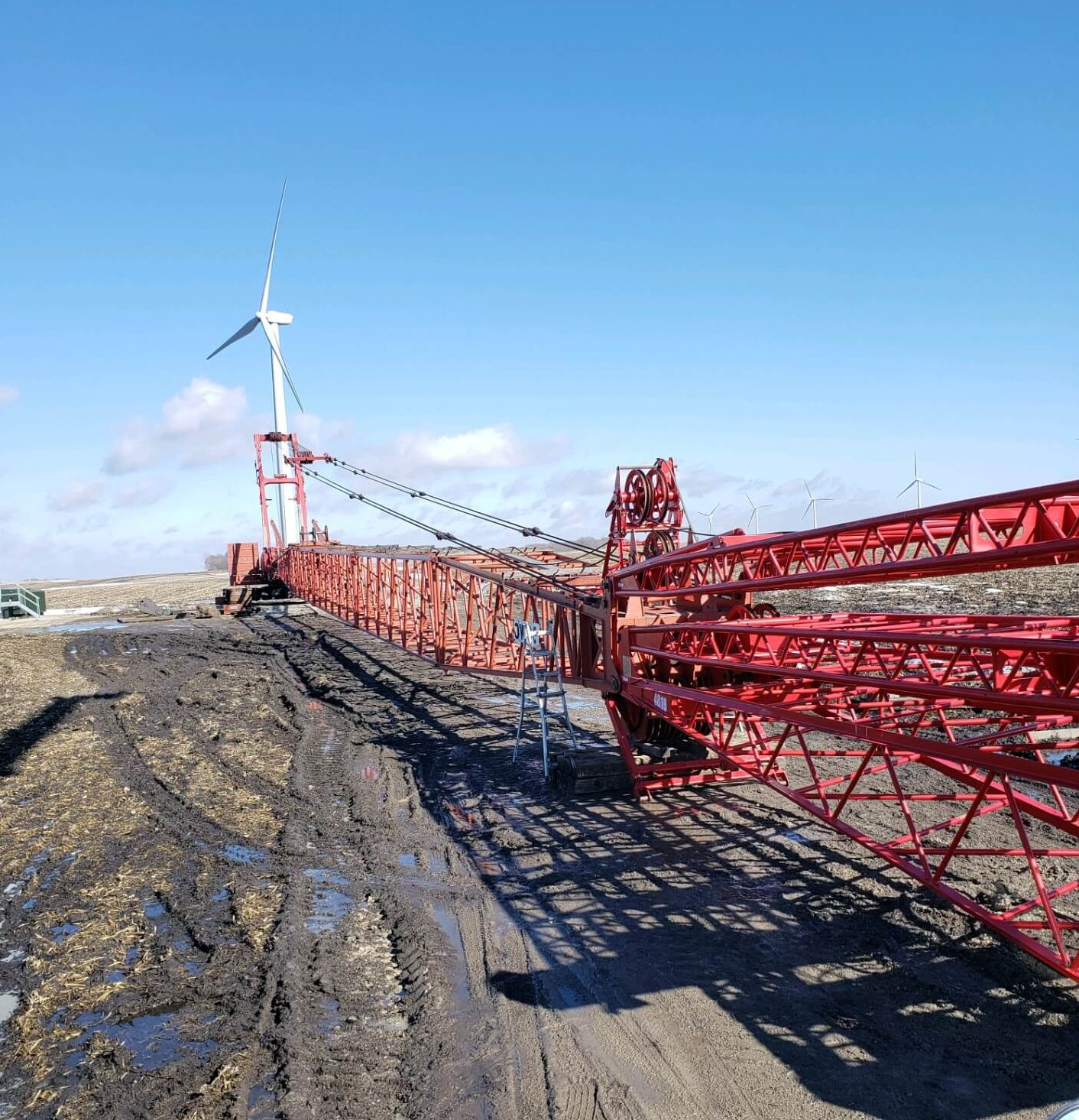 300 Ton Manitowoc Crawler Crane set up